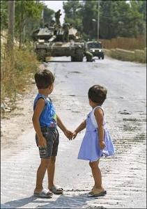 Kriegsleidende Kinder | morguefile.com